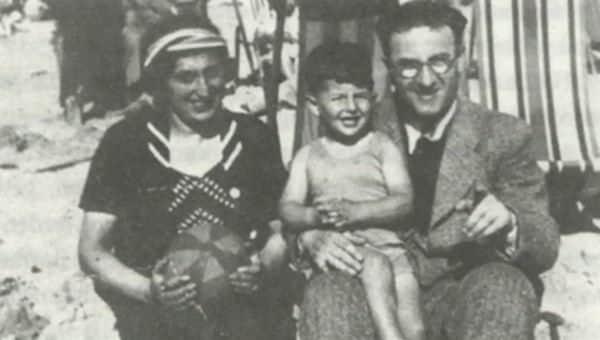 Salo Muller en zijn ouders (collectie NTR)